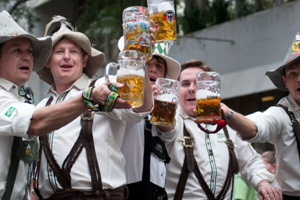 oktoberfest-blumenau-cerveja